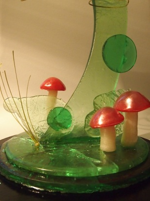 A few little mushies and grass to make it a tad bit 'foresty'