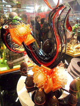 Sugar sculpture by Nicolas Boucher of Dallayou, who came 2nd place in the 2012 Charles Proust Competition and 1st place for Artistic Prize at the Salon du Chocolate